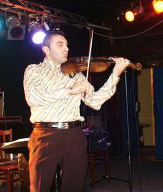 Арменский скрипач (Фото: Ян Росенауер)