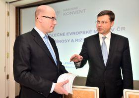 Премьер-министр Чехии Богуслав Соботка и Валдис Домбровскис, Фото: ЧТК