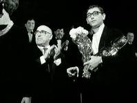 Jiří Menzel remporte la récompense suprême, un Globe de cristal, pour Un Eté capricieux, photo: Československý filmový týdeník / ČT
