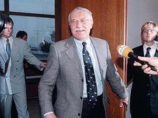Václav Klaus po příletu ze Sarajeva, foto: ČTK