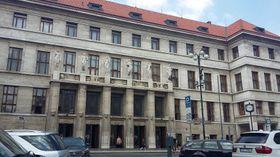 La  biblioteca municipal de Mariánské Náměstí en Praga, foto: Kristýna Maková