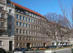 Komenského škola na Sebastianplatz 3, foto: GuentherZ, Wikimedia Commons, CC0