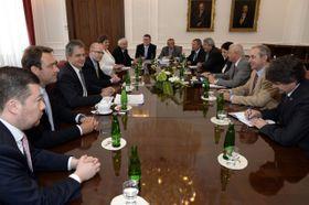 El oficialismo y la oposición llegaron a un acuerdo para poner a andar la Ley del Servicio Civil, foto: ČTK
