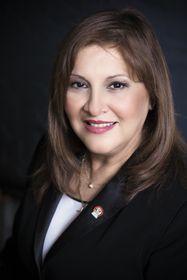 Liliana de Torres-Muga, la Embajadora del Perú, foto: Embajada del Perú en la RCh