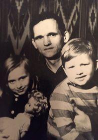 Милена Винничук со своим отцом и братом, фото: Архив Милены Винничук