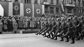 Einmarsch Hitlers in Prag im Jahr 1939 (Foto: Tschechisches Fernsehen)
