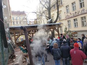 Pig slaughter delicacies being served on Sunday, Photo: Masha Volynsky / Archive of ČRo - Radio Prague