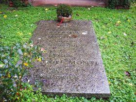 Klášterní hřbitov vChiaravalle sdetailem náhrobní desky Raffaela Mattioli, foto: Michaela Krčmová / Český rozhlas