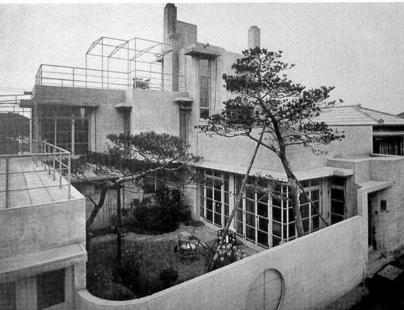 La maison Reinanzaka à Tokyo, 1924, photo: Raymond Architectural Design Office, public domain