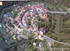 Hrad Loket - letecký snímek, foto: CzechTourism