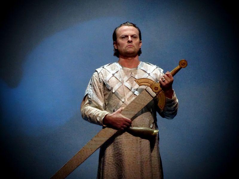 Magnus Vigilius in der Titelrolle von Richard Wagners Lohengrin (Foto: Daniel Jäger, Archiv des Tschechischen Rundfunks)
