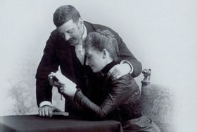 Ludwig Wittgenstein se ženou