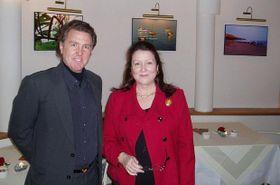 Giorgio Bikkal y embajadora del Perú en Chequia Marita Landaveri