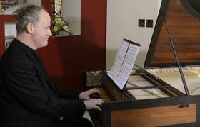Cembalista Lukáš Vendl hraje skladbu snázvem Per la ricuperata salute di Ophelia, foto: ČTK