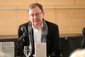Hans Dieter Zimmermann (Foto: Archiv des Österreichischen Kulturforums Prag)