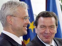 Primer ministro checo, Vladimír Spidla y canciller alemán Gerhard Schröder, foto: CTK