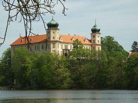 Замок Мнишек-под-Брды, Фото: Aktron / CC BY-SA 3.0