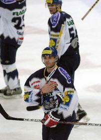 Jagr greets the fans in Prague's Sazka Arena, photo: CTK