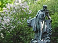 Estatua de Karel Hynek Mácha, foto: Kristýna Maková