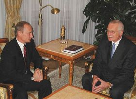 Владимир Путин и Вацлав Клаус (Фото: ЧТК)