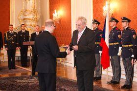 La inauguración del primer ministro checo, Bohuslav Sobotka, foto: archivo de la Oficina del Gobierno Checo