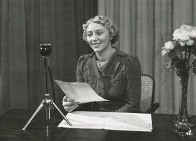 Announcer Helena Kronska