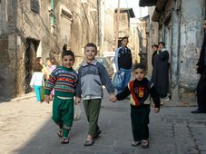 Illustrationsfoto: Syrische Kinder in Aleppo (Foto: Charles Roffey, Flickr, CC BY-NC-SA 2.0)