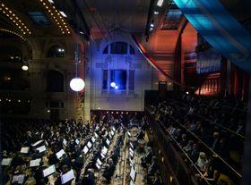 La Orquesta Sinfónica de la Radio del Norte de Alemania, bajo la dirección de Thomas Hengelbrock, ha inaugurado el festival internacional de música 'Primavera de Praga', foto: ČTK