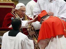 Benoît XVI et Dominik Duka, photo: CTK
