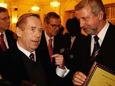 Vaclav Havel and Aljaksandr Milinkevic, photo: CTK