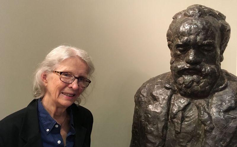 Majda Kallab Whitaker se sochou Antonína Dvořáka vAmerican Heritage Association, foto: Ian Willoughby