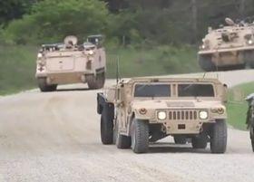 Carros blindados  estadounidenses en la RCh, foto: ČT24