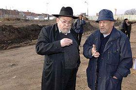 Rabín Karol Sidon (vlevo) aředitel Západočeského muzea František Frýda, foto: ČTK