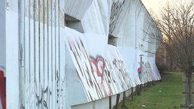 Le mur près de la station de métro de Prague-Nusle de Stanislav Kolíbal, photo: ČT24