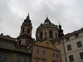 The tower (left) of St. Nicholas Church, photo: Kristýna Maková, Czech Radio - Radio Prague
