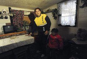 Madre de la joven que logró apagar las llamas a tiempo en el interior de la vivienda, foto: ČTK