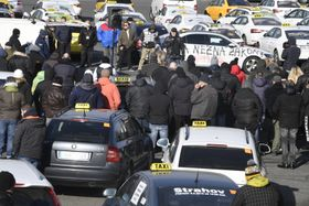 Les taxis pragois continuent leur mobilisation contre Uber, photo: ČTK
