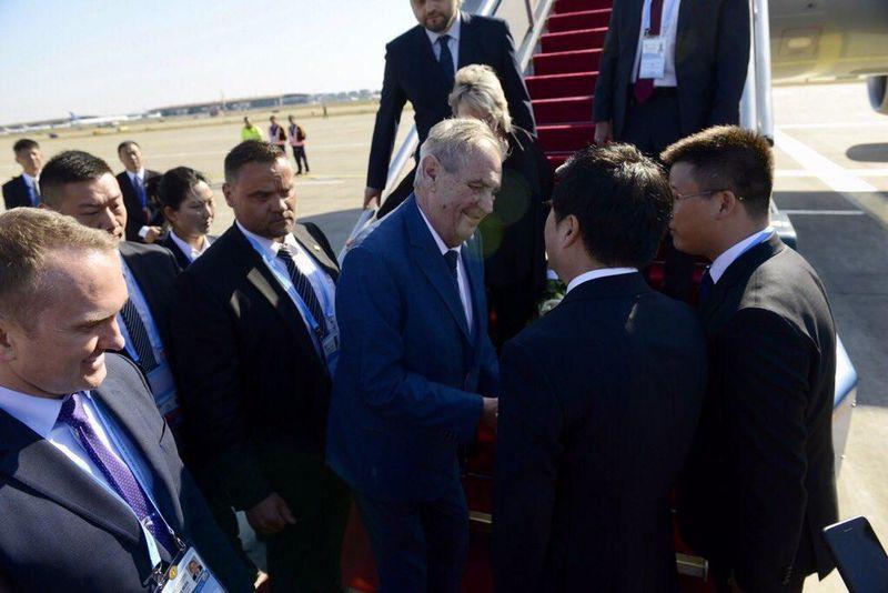 Miloš Zeman a entamé ce jeudi sa visite officielle en Chine, photo: Twitter de Jiří Ovčáček / Pražský hrad