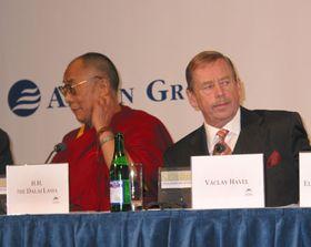Václav Havel y Dalái Lama, Foro 2000 (2006), foto: archivo de Radio Praga