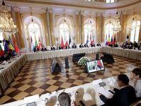 La cumbre con 16 jefes de Gobierno de Europa Central y del Este en Varsovia, foto: ČTK