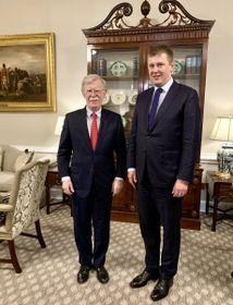 John Bolton y Tomáš Petříček, foto: MZV