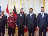 Angela Merkel mit den Regierungschefs der Visegrád-Gruppe (Foto: ČTK / Martin Mikula)