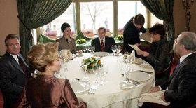 Václav Havel con su esposa y Aleksander Kwasniewski con su esposa Yolanta, Tomas Klestil y su esposa Margot, Foto: CTK