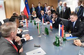Встреча президента Макрона с представителями Вышеградской четверки, Фото: ЧТК