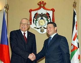 Presidente checo, Václav Klaus (a la izquierda) y el rey de Jordania, Abdalá II (Foto: CTK)