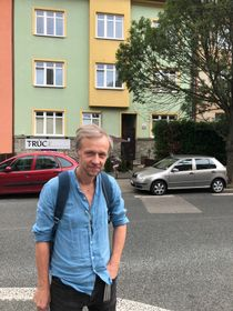 Martin Reiner in front of the building where he spent the first few years of his life. There is now a Vietnamese restaurant on the ground floor, photo: Ian Willoughby