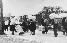 Vertreibung der Deutschen (Foto: Bundesarchiv, Creative Commons 3.0)