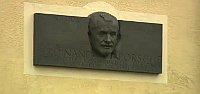 Porsche-Gedenktafel in Vratislavice (Foto: Tschechisches Fernsehen)