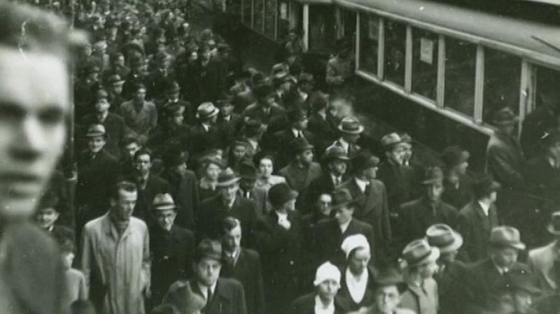 Estudiantes 28 de octubre en Praga, foto: archivo de la Unoversidad Carolina