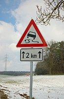 Schleudergefahr - Nebezpečí smyku (Foto: Moros, CC BY 3.0)